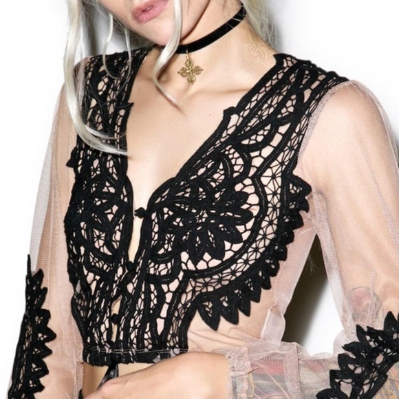 a18e537e23656 For Love And Lemons Tops - For Love and Lemons Lace Penelope Crop Top Blouse